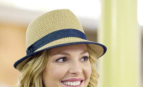 Katherine Heigl as Holly Berenson