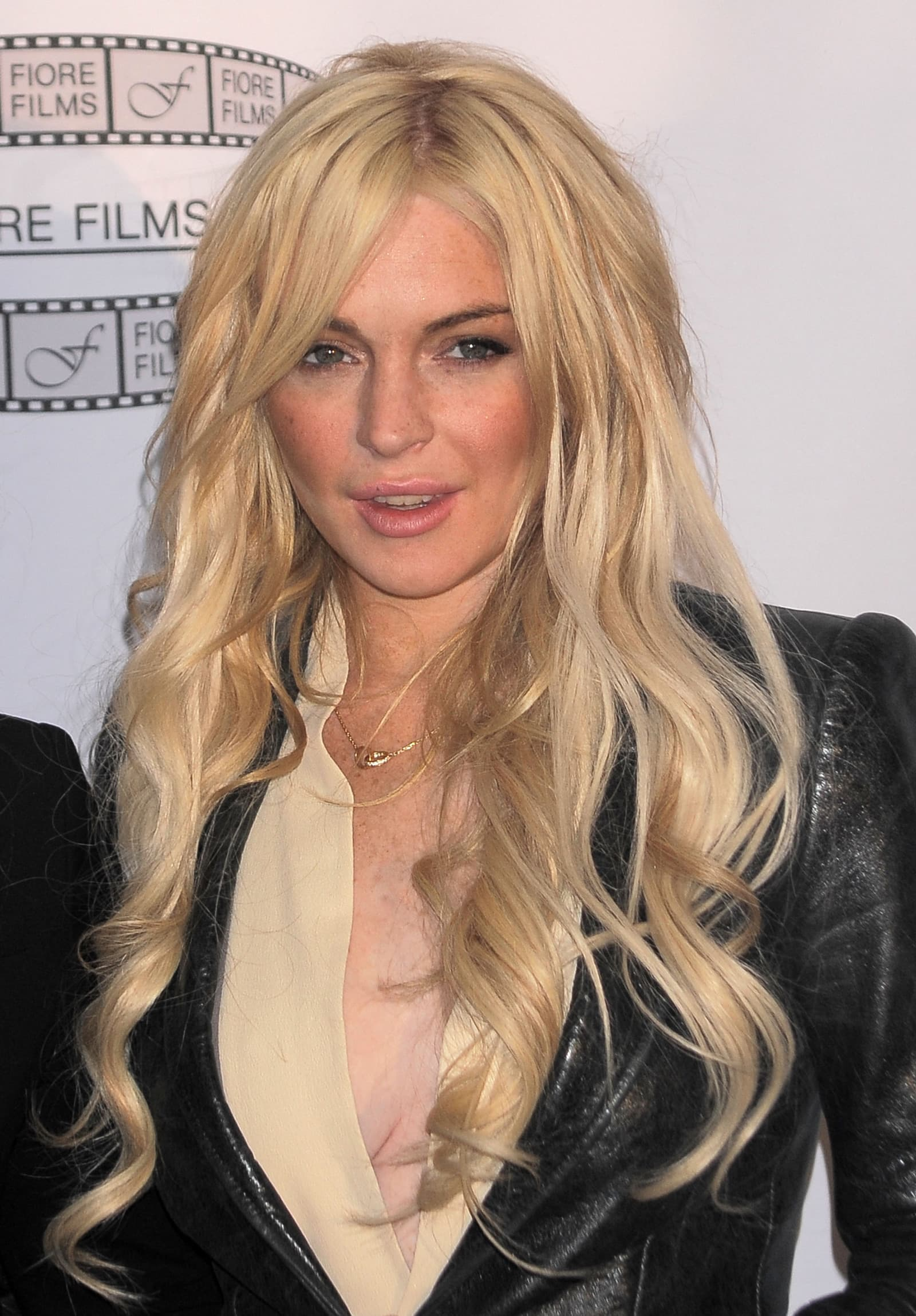 Scary Movie 5 Adds Lindsay Lohan And Charlie Sheen To Cast Movie Fanatic