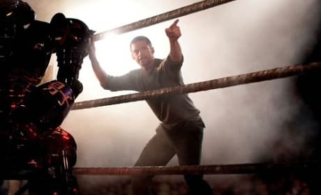 Real Steel Featurette: Hugh Jackman's Main Event