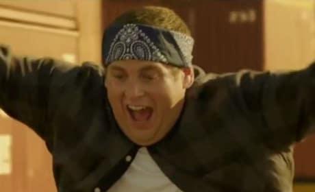 "22 Jump Street Clip: Jonah Hill & Channing Tatum ""Ride"" a Truck"