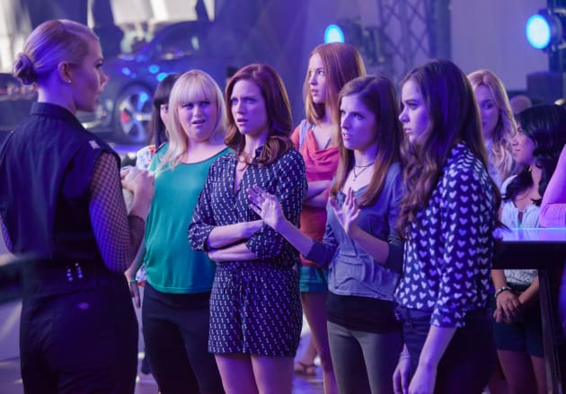 Pitch Perfect 2 Cast Meets the Competition