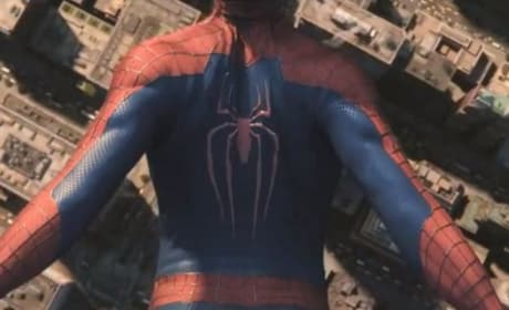 The Amazing Spider-Man 2 Teaser Trailer: Spidey Free Falling!