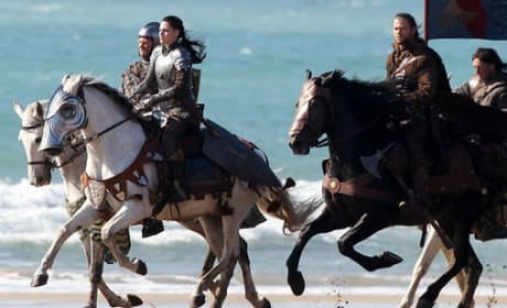 Snow White and the Huntsman: Kristen Stewart Shows Her Mettle