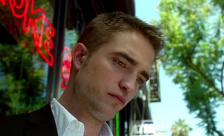 Robert Pattinson Maps to the Stars