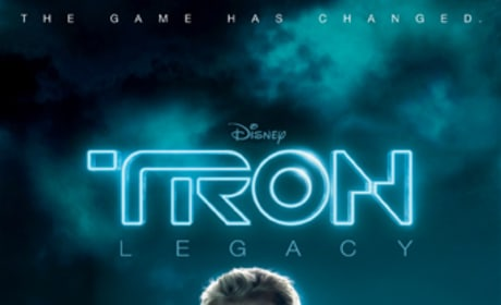 Garrett Hedlund Featured on New Tron Legacy Banner