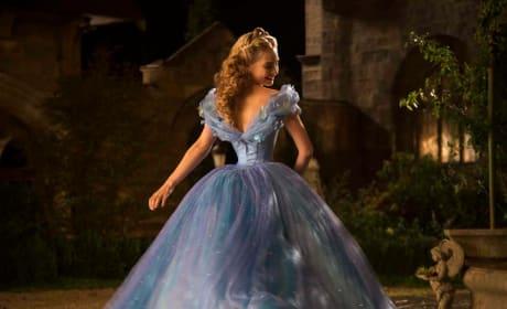 Cinderella Lily James Stars