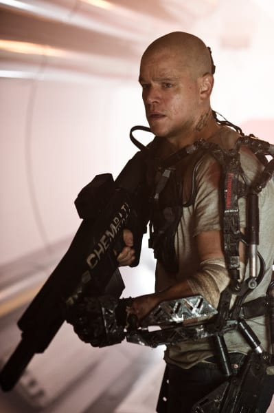 Elysium Matt Damon in Action