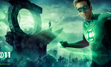 Ryan Reynolds Is Out of this World on the New Green Lantern Billboard Poster!
