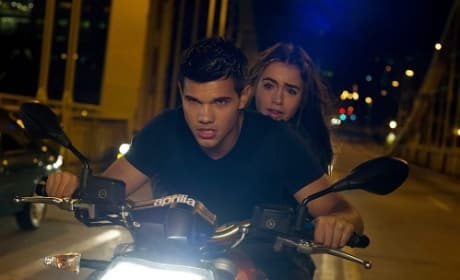 Lily Collins and Taylor Lautner in Abduction