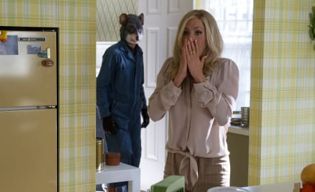 Life of Crime Trailer: Jennifer Aniston Gets Kidnapped, Husband Doesn't Care!