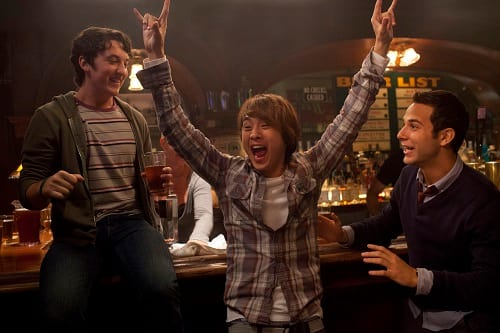 Miles Teller Skylar Astin and Justin Chon 21 and Over