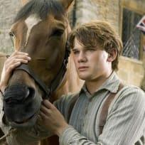 Jeremy Irvine Stars in War Horse