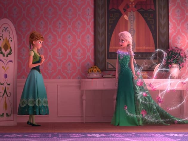 Anna and Elsa Have a Moment