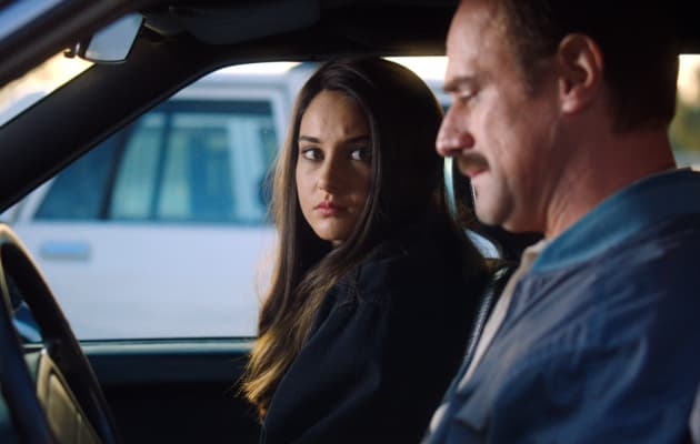 White Bird in a Blizzard Shailene Woodley Christopher Meloni