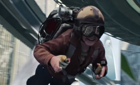 "Tomorrowland Clip: Two Words, ""Jet Pack!"""