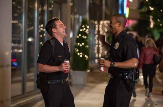 Jake Johnson Damon Wayans Jr. Let's Be Cops