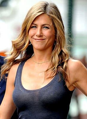 Jennifer Aniston Will Be A Puma Movie Fanatic