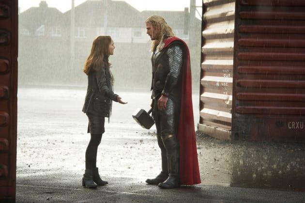Chris Hemsworth Natalie Portman Thor The Dark World