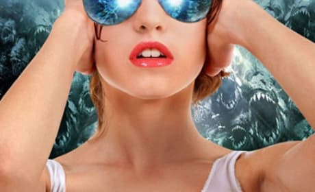 Piranha 3DD Poster: No Body is Safe