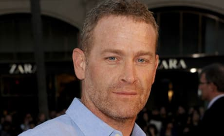 Fifty Shades of Grey: Max Martini Cast to Protect Christian Grey