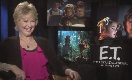 E.T.: Dee Wallace Reflects on Spielberg Classic