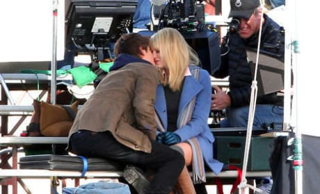First Look: Peter Parker and Gwen Stacy Kiss in New Spider-Man Photos