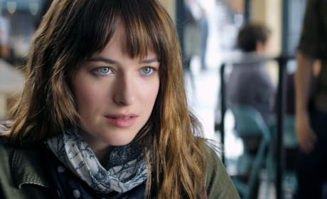 7 Fifty Shades of Grey Movie Headlines: Dakota Johnson Is a Star!