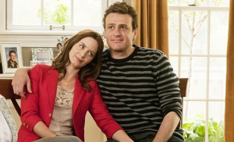 Emily Blunt and Jason Segel Star in The Five Year Engagement