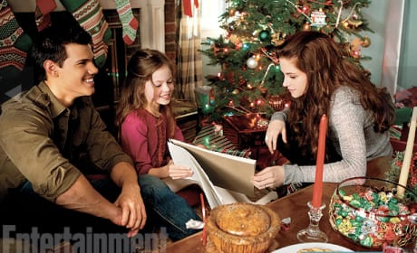Jacob, Renesmee and Bella Breaking Dawn Part 2 Image