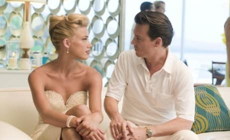 Rum Diary Trailer Premieres: Johnny Depp Delivers