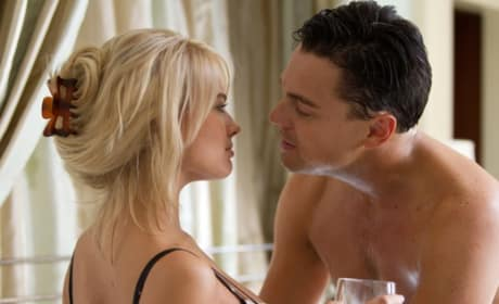"The Wolf of Wall Street: Margot Robbie Talks ""Blinding"" Leonardo DiCaprio!"
