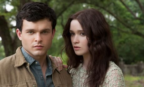 Alden Ehrenreich and Alice Englert Beautiful Creatures