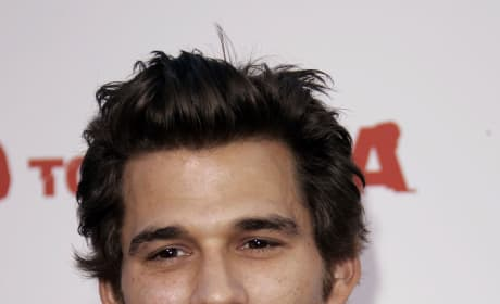 EXCLUSIVE: Johnny Whitworth Dishes on Limitless