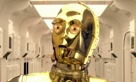 Is C3PO in Star Wars: Episode VII?