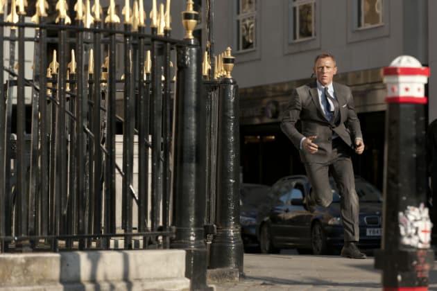 Daniel Craig Skyfall Action Shot