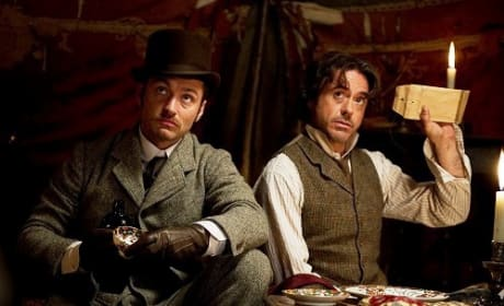 Jude Law and Robert Downey Jr in Sherlock Holmes: A Game of Shadows