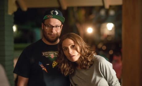 Neighbors Stars Rose Byrne and Seth Rogen
