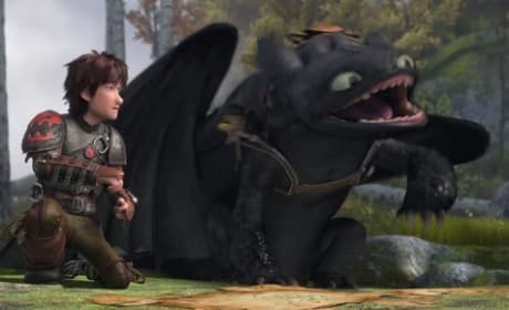 How to Train Your Dragon 2 Clip: Toothless Has an Itchy Armpit?