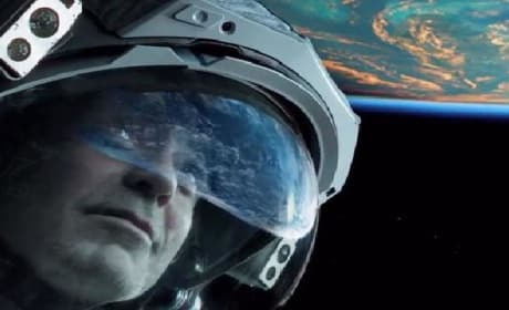 Gravity Featurette: Inside 3D with Sandra Bullock & Alfonso Cuaron