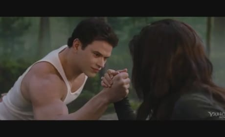 Breaking Dawn Part 2 Clip Drops: Bella and Emmett Arm Wrestle
