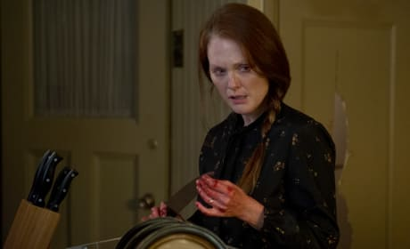 Julianne Moore Stars in Carrie