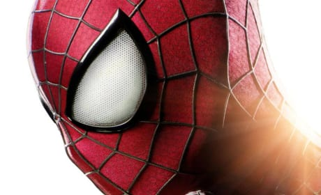 "The Amazing Spider-Man 2: Andrew Garfield Can ""Urinate Easier"" in New Spidey Suit!"
