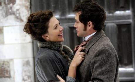 Hugh Dancy and Maggie Gyllenhaal in Hysteria