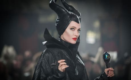 Angelina Jolie is Evil Maleficent