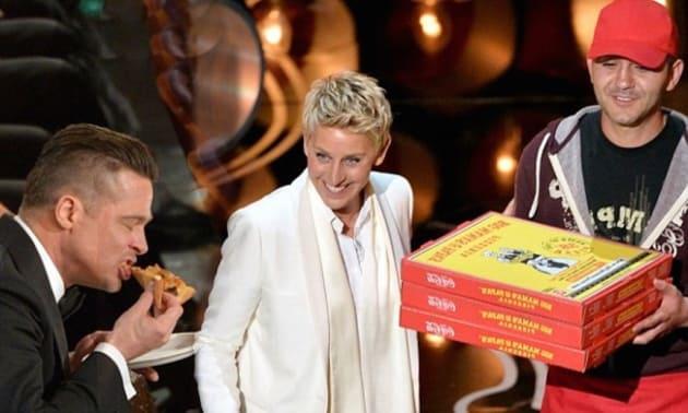 Brad Pitt Eats Pizza at Oscars