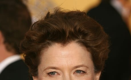 Annette Bening, Morgan Freeman Set To Star In The Third Act