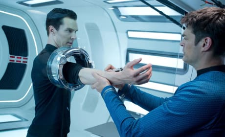 Benedict Cumberbatch Karl Urban Star Trek Into Darkness