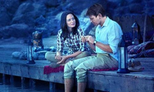 Ewan McGregor and Emily Blunt in Salmon Fishing in The Yemen