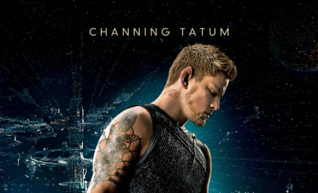 Jupiter Ascending Photo: Channing Tatum & Mila Kunis Ride Rocket Boots