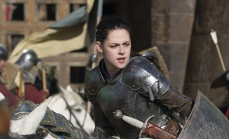 Snow White and the Huntsman Photos: Kristen Stewart Fights